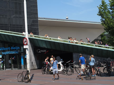 Park op dak supermarkt
