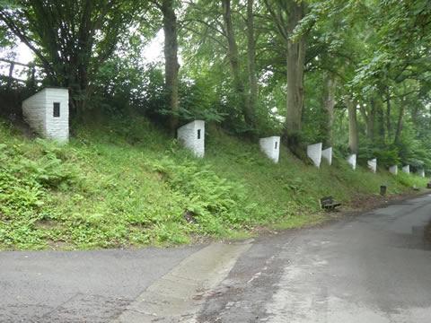 Kapelletjes langs dorpsweg Arbrefontaine