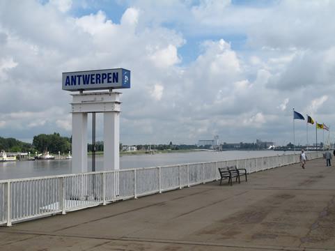 Geen uitzicht vanaf bank over Schelde